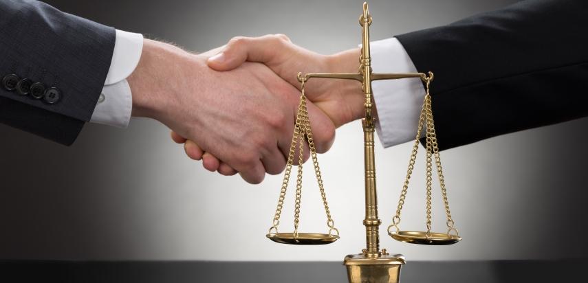 защита интересов в суде по страховым могли забирать